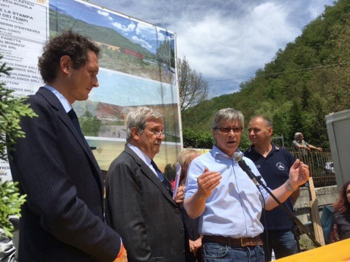 John Elkann, Lodovico Passerin d'Entreves e Vasco Errani ad Arquata del Tronto